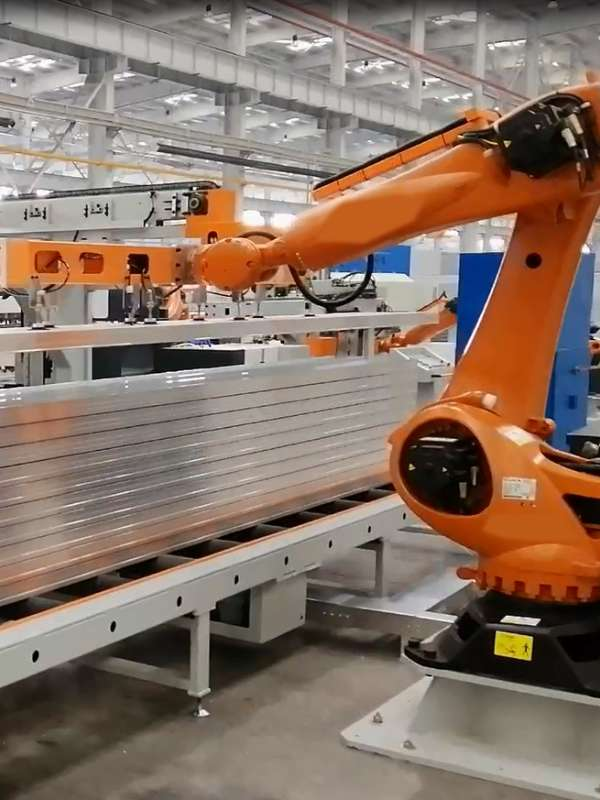 忠旺铝模板集成生产线